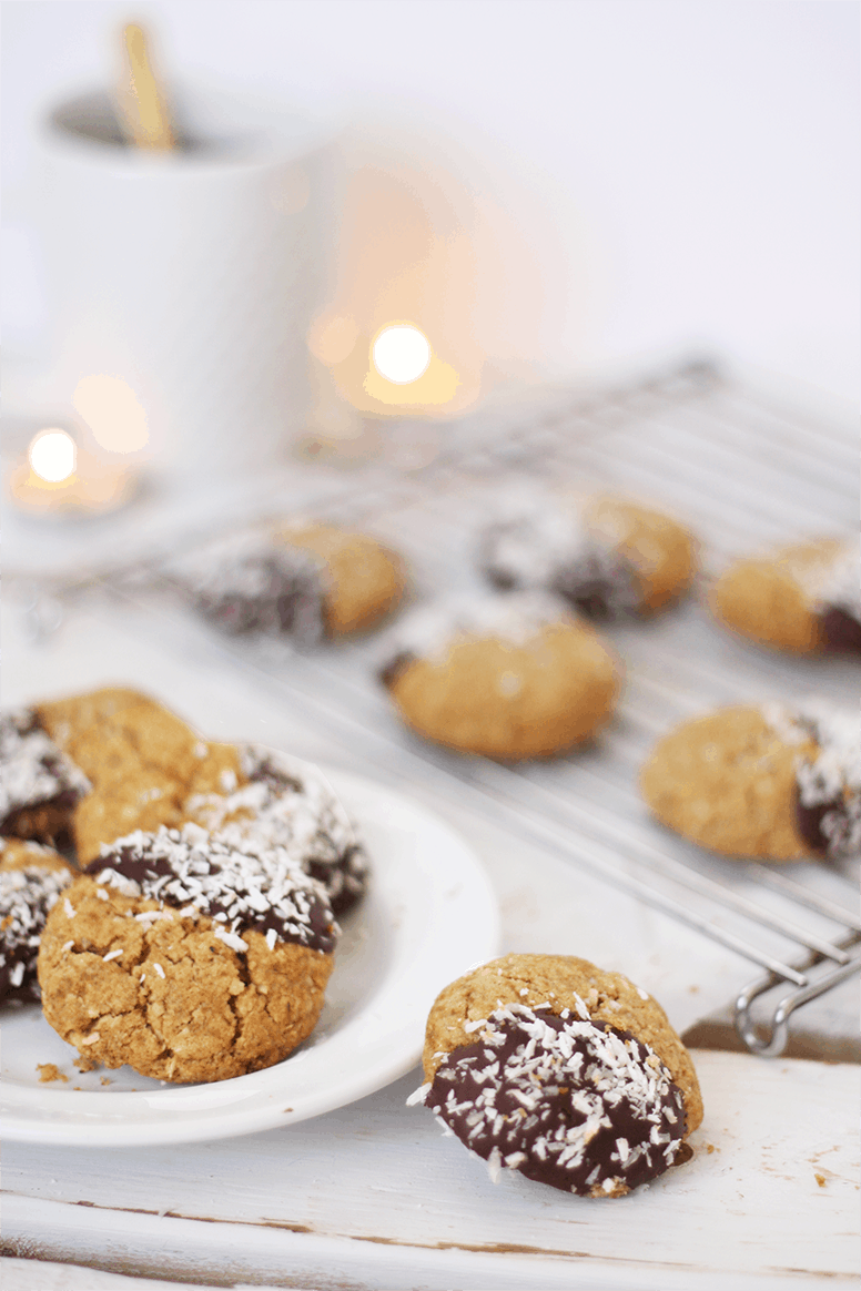 Almond Butter No'atmeal Cookies